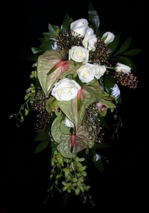 Trailing Bridal Bouquet 03