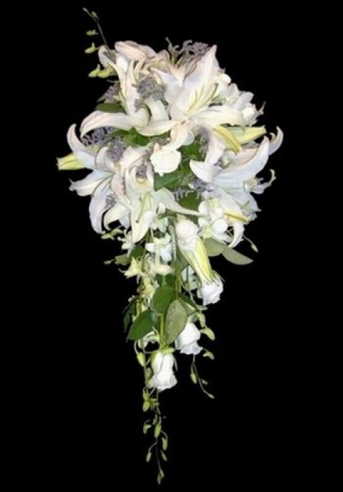 Trailing Bridal Bouquet 06