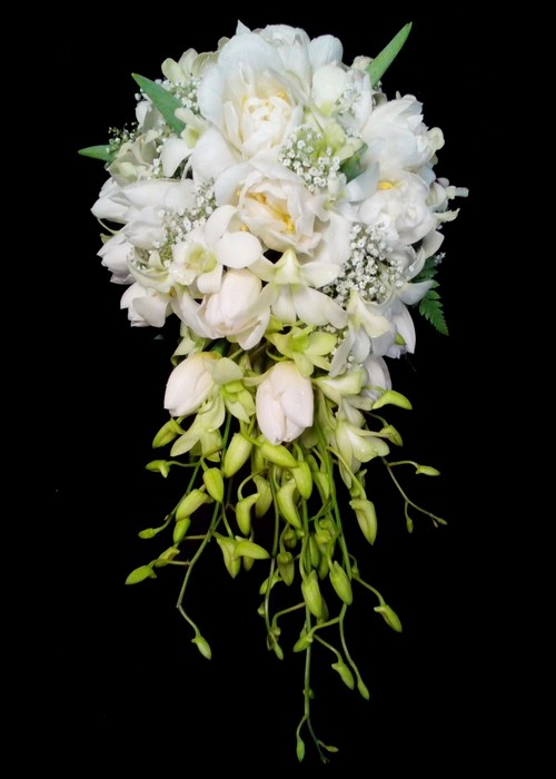 Trailing Bridal Bouquet 01